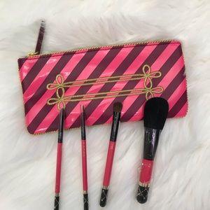 MAC Cosmetics Brush Set with Bag NWT Nutcracker